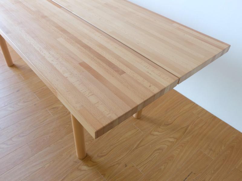 テーブル端画像