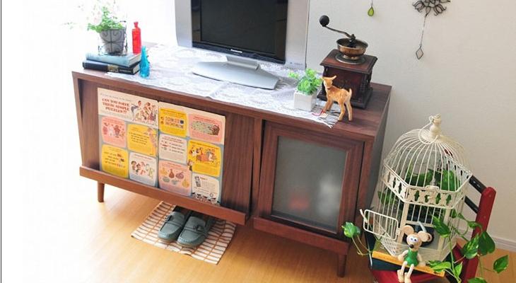 ヴィンテージなデザインのウォールナットのテレビボード