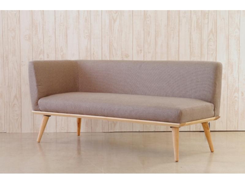 カウチタイプのダイニングソファ